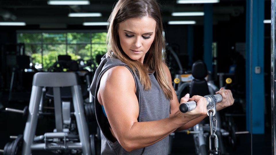 como adquirir musculo no biceps